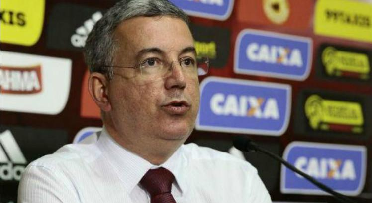 Conselheiro do Sport envia pedido de impeachment de Arnaldo Barros